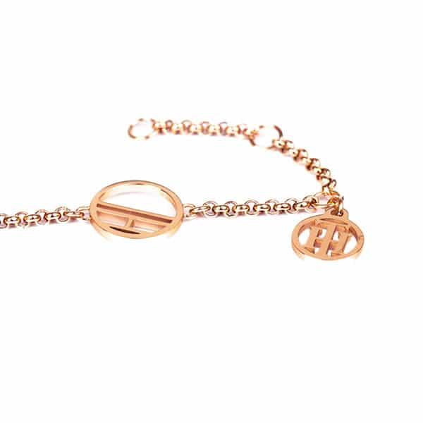 A rose gold ékszer a bizsu gyűjtemény népszerű darabja