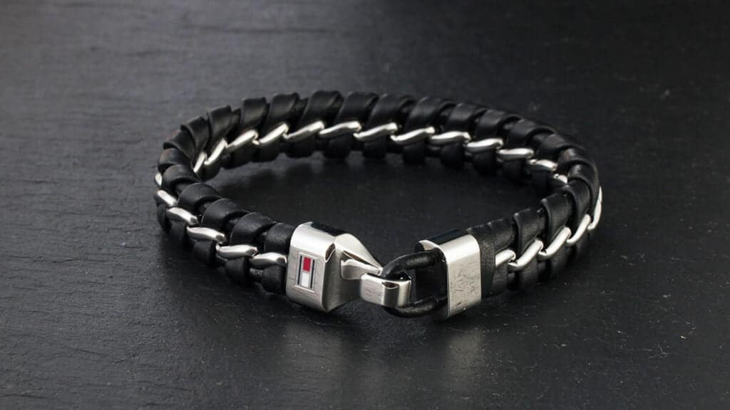 A legnépszerűbb férfi karkötők - az első számú választás a Tommy Hilfiger márka karkötője