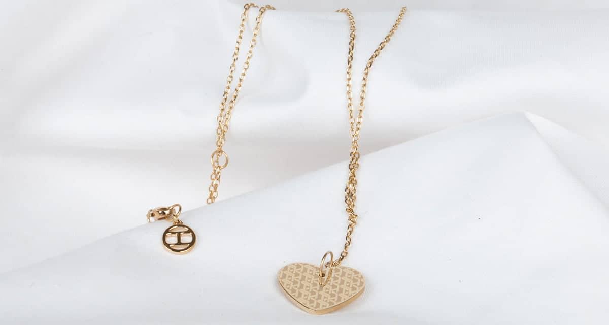 Az arany ékszer a luxus és az összetéveszthetetlen elegancia szimbóluma