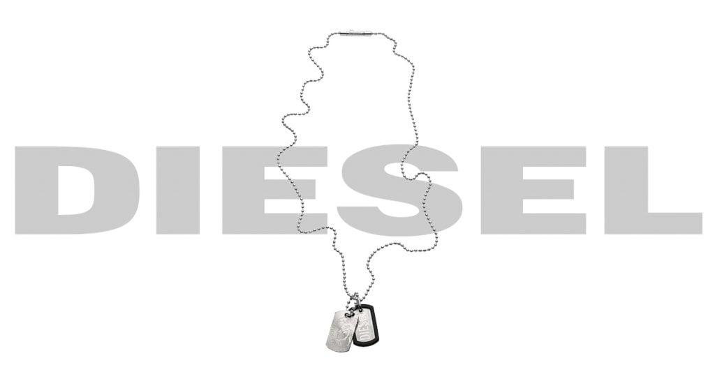 Az uraknak bizonyára örömet szerez az ezüstös Diesel nyaklánc