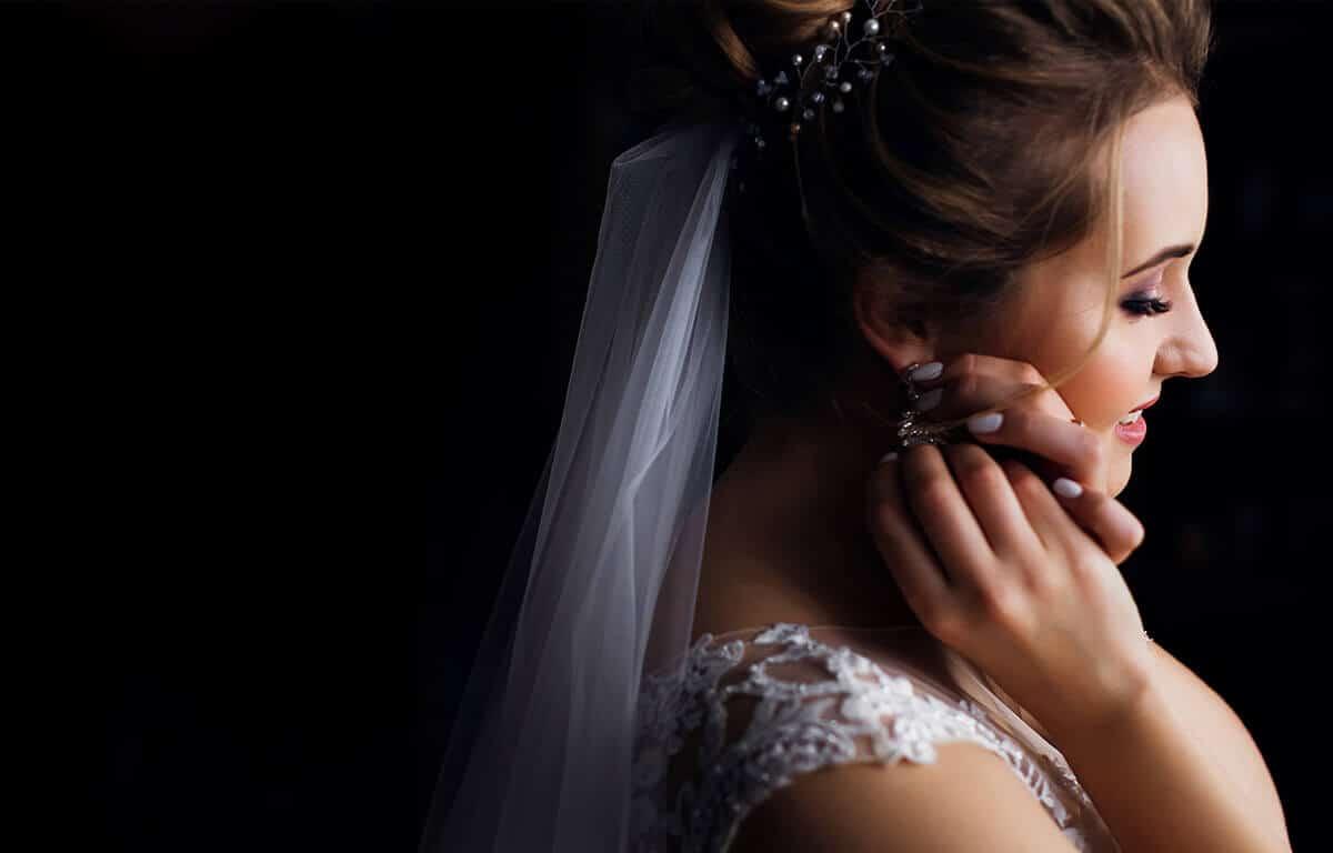 Milyen esküvői fülbevalót választani? Segítünk a választásban