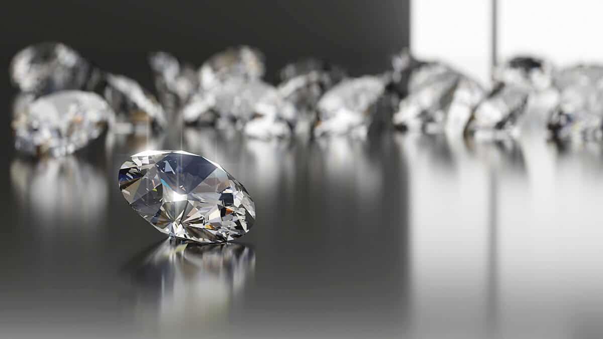 A brill ragyogóan megmunkált gyémánt