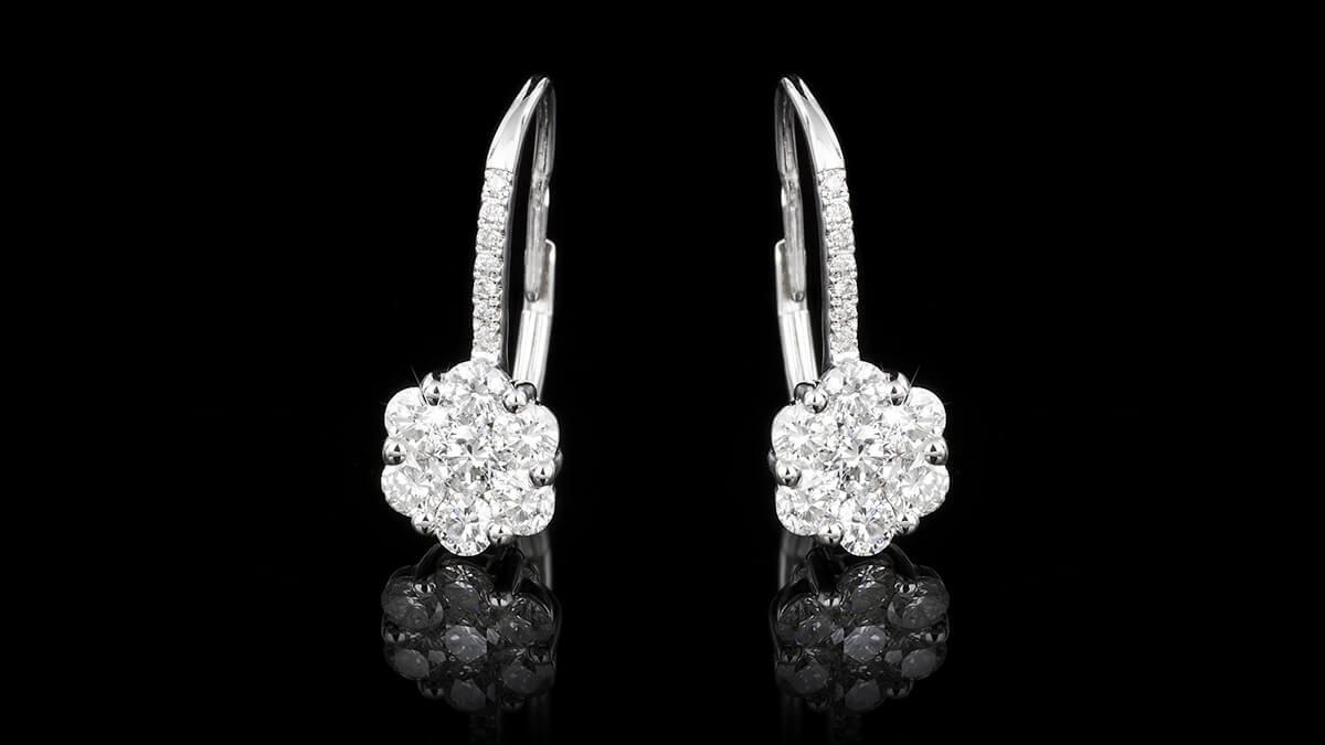 Fehér aranyat a fülbevalók gyártásához is használnak