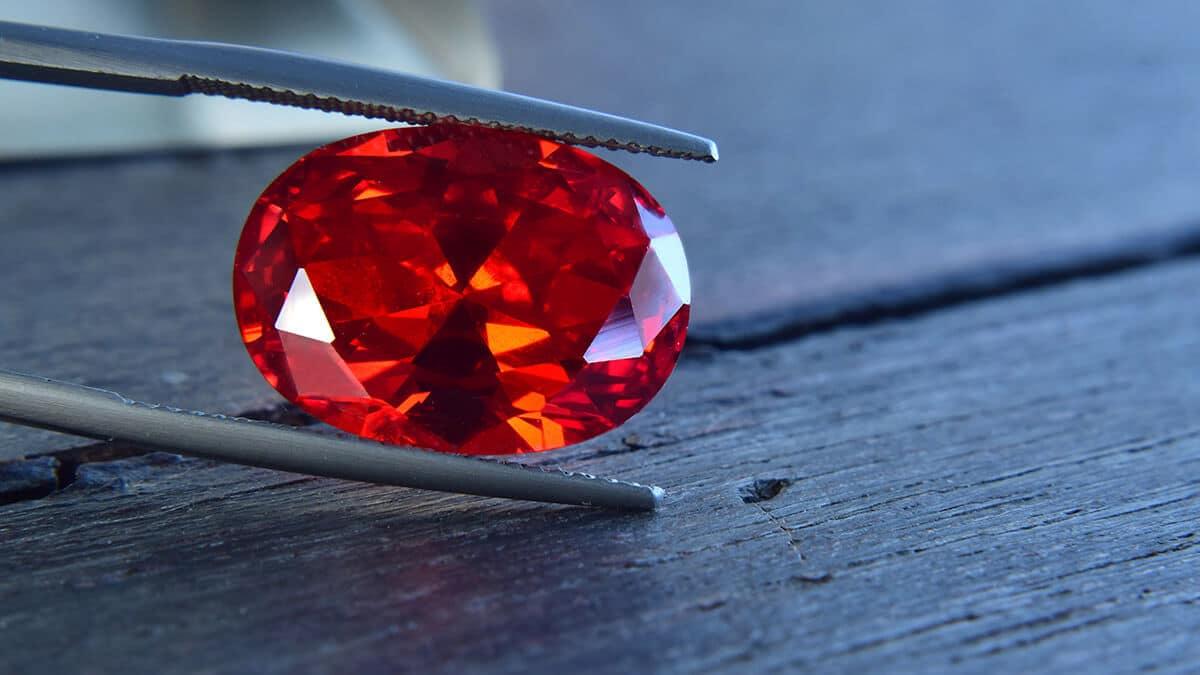 Rubin jellegzetes vörös színében